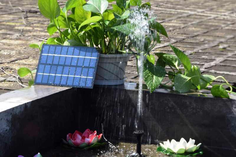 Фонтан на солнечных батареях - фото