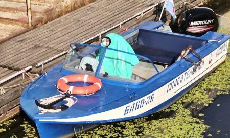 На Пине перевернулась лодка с пьяными пассажирами - фото