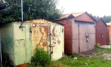 вскрыл гараж: похищены бензогенератор и две бензопилы - фото