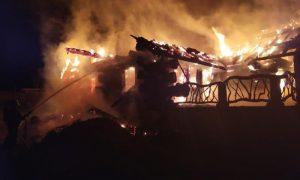 Сгорел дом - фото