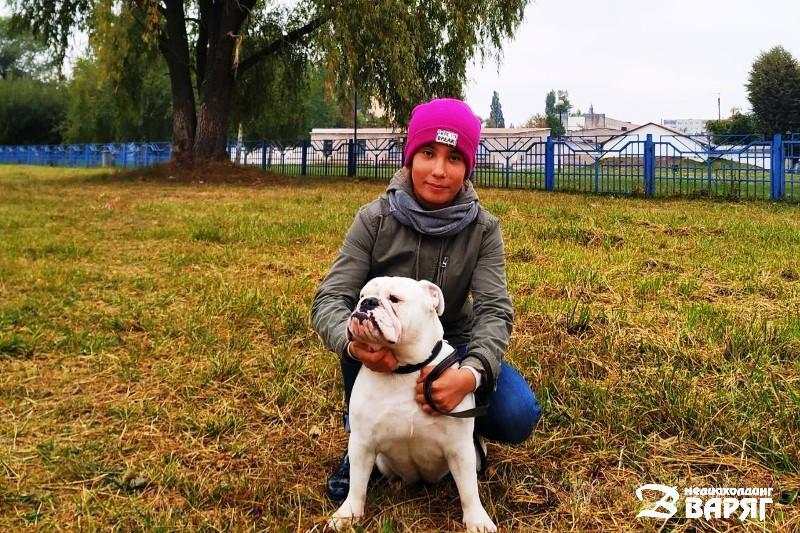 школьница с собакой - Пинск - фото