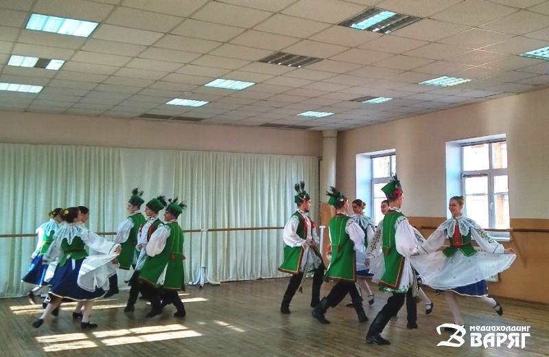 Ансамбль танца «Пинская шляхта» - фото