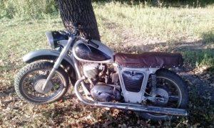 школьник украл мотоцикл - фото