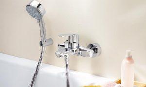 смеситель в ванную - фото