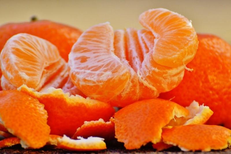 три-четыре мандарина - фото