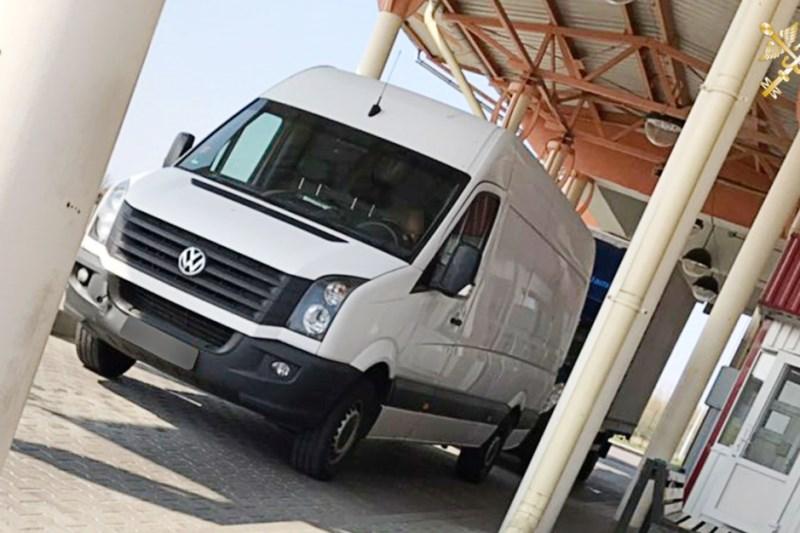 Пинчане организовали канал незаконной поставки микроавтобусов из ЕС на территорию РБ - фото