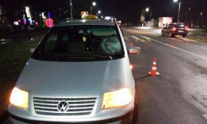 ДТП в Пинске: 16-летняя девушка попала под колеса авто - фото