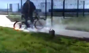загорелось колесо - фото