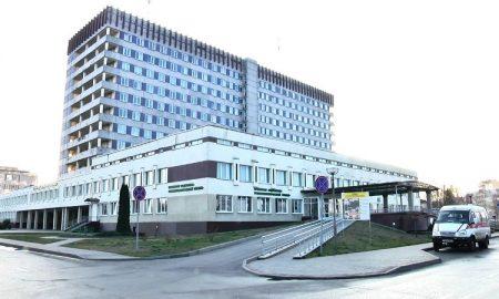 Городская больница, В Пинске в центральной больнице с диагнозом COVID-19 находятся 6 пациентов - фото
