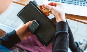 минусы использования кредитных карт - фото