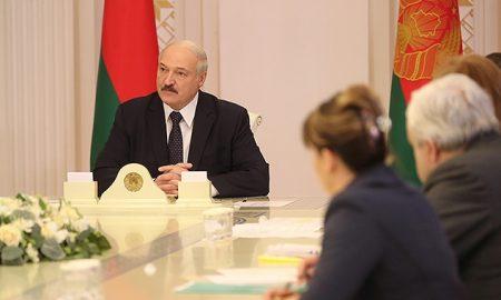 Лукашенко провел совещание по COVID-19 в Беларуси - фото