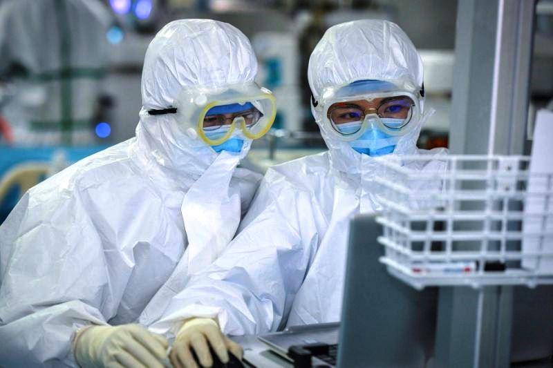 тысячи тестов на коронавирус, Минздрав о COVID-19 в Беларуси: случаев коронавируса уже 76 - фото