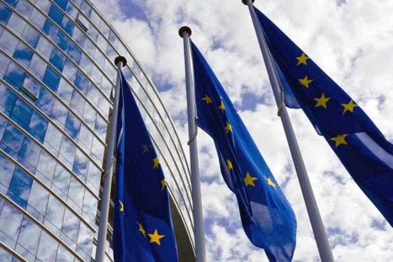 Евросоюз закрывает внешние границы, «Шенген» по 35 евро - фото