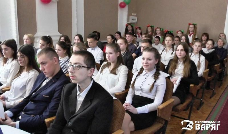 Школьники - фото