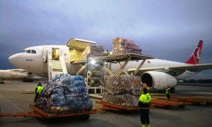 Первая партия гуманитарной помощи из Китая прибыла в Минск - фото