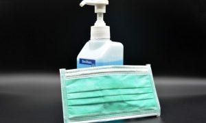 маски и антисептики - фото