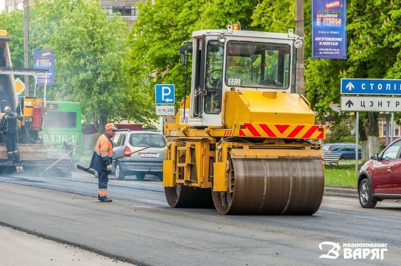 Вот как идет укладка нового асфальта в Пинске (а Брест завидует)