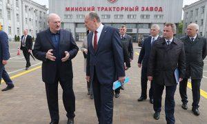 Лукашенко о богатом Западе: дикая безработица - фото
