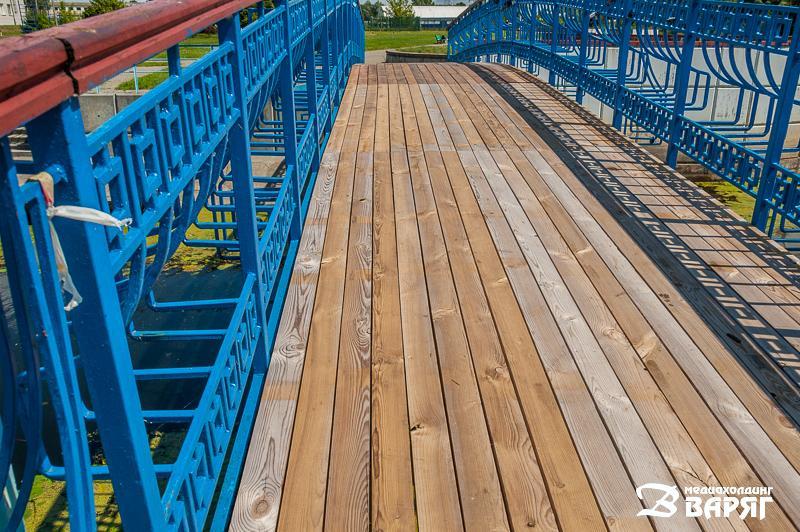 мост в Пинске на набережной - фото