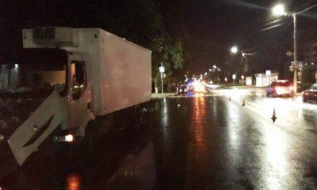 27-летний мужчина попал под колеса грузовика - фото МВД