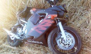 В Пинске в ДТП пострадал 26-летний мотоциклист - фото