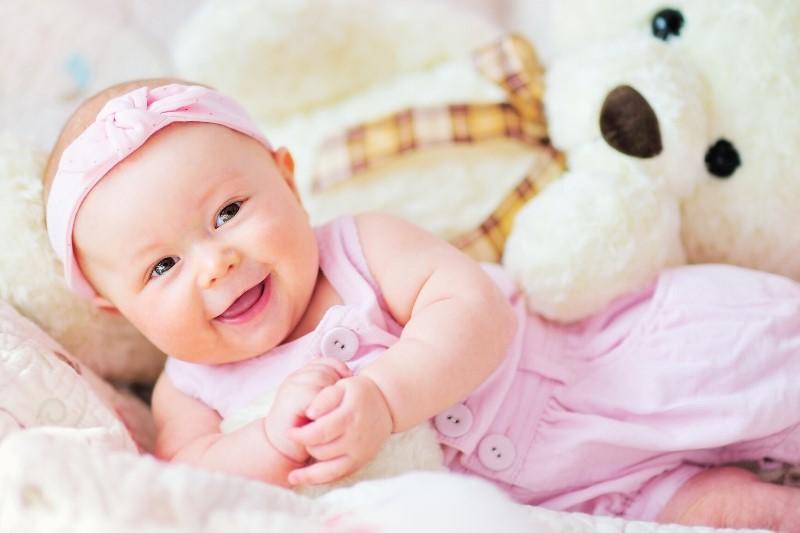 самые популярные имена для новорожденных в 2020 году - фото