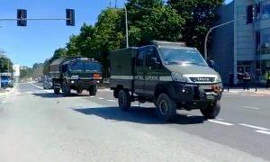 В Варшаве обнаружили бомбу - фото