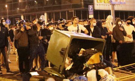 массовые протесты в Беларуси - фото