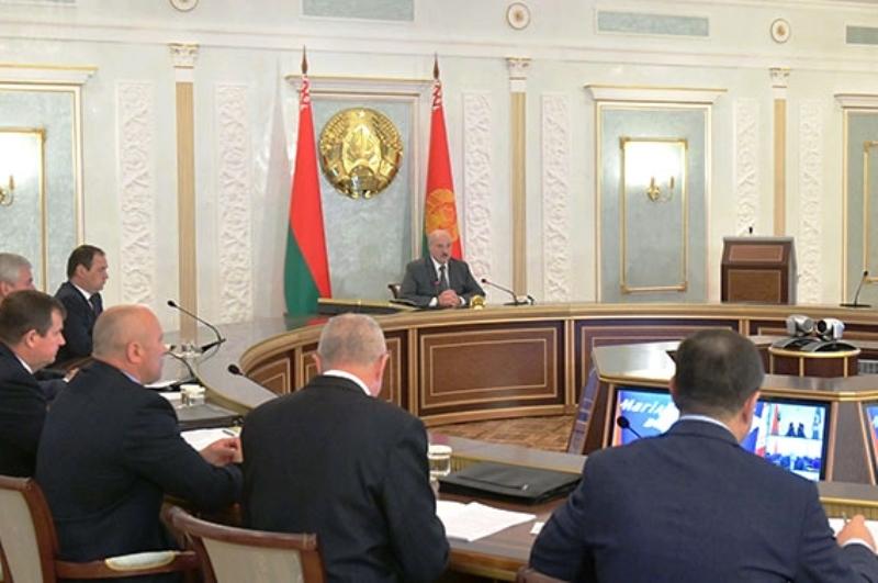 Лукашенко рассказал, как стабилизировать обстановку в Беларуси - фото
