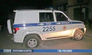 порезал колеса в милицейском УАЗике - фото
