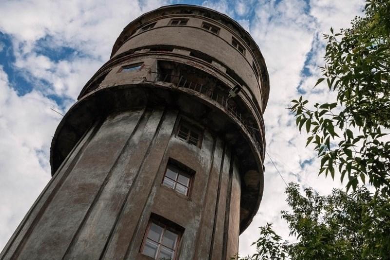 В Телеханах рухнула водонапорная башня - фото