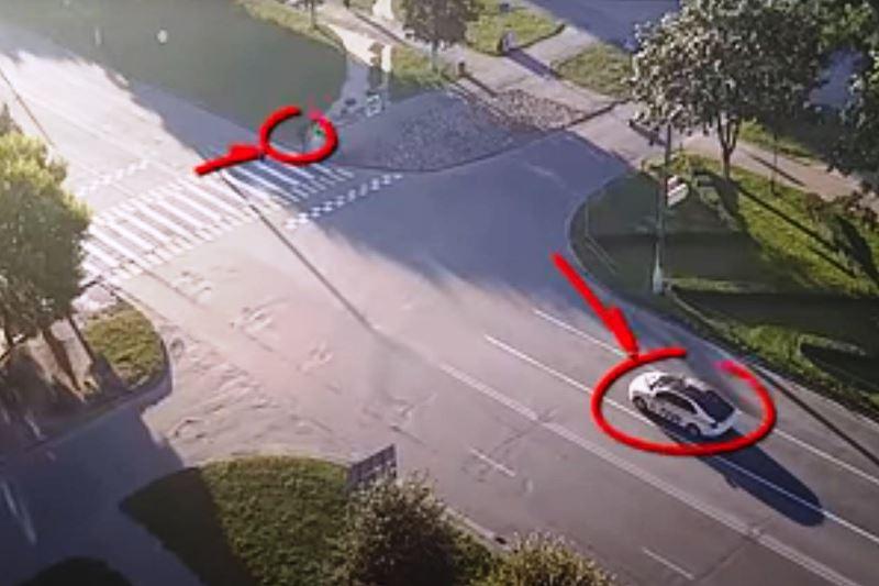 жёстко сбил пешехода - фото