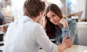 как привлечь внимание девушки - фото