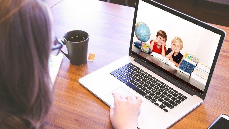 Дети в интернете - фото