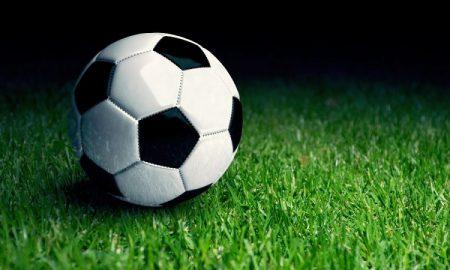 Футбольный мяч - фото