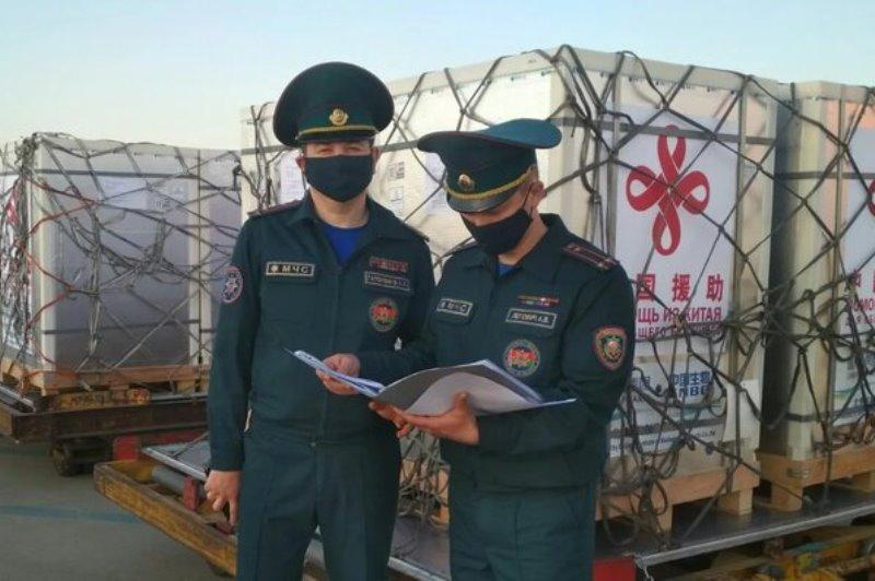 Китай передал Беларуси 300 тыс. доз вакцины от COVID-19