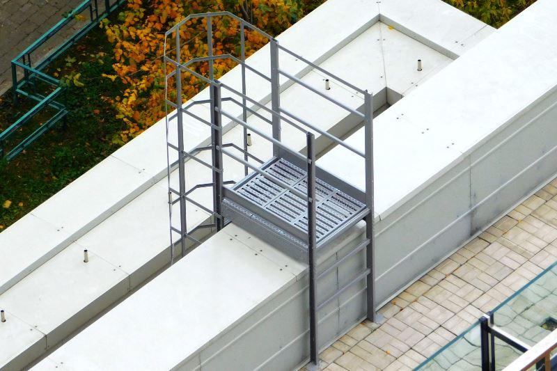 Установка пожарных лестниц - фото